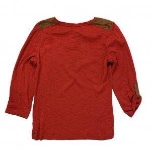 חולצה 3/4 אדומה עם כפתורים חומים 2