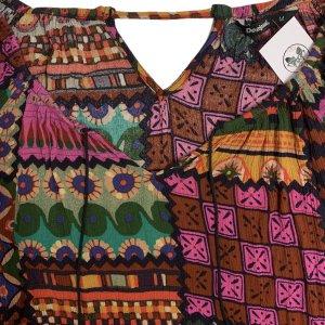 חולצת שרוולים בוהו עם צורות בכל מיני צבעים 3