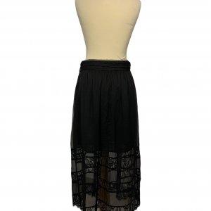 חצאית מקסי שחורה תחרה 2