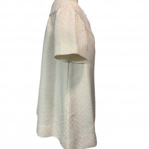 מעיל לבן אוברסייז עם שרוולים קצרים 3