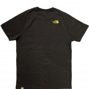 טי שירט עם ציור שחור ושפריצים צהובים - The North Face 2