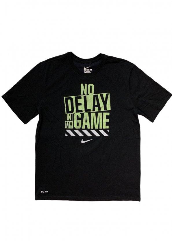חולצת טריקו שחורה עם כיתוב ירוק - Nike 1