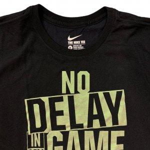 חולצת טריקו שחורה עם כיתוב ירוק - Nike 3