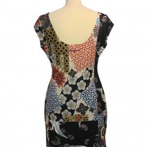 שמלה קצרה Desigual בדוגמא צבעונית גיאומטרית אוריינטלית 2