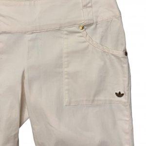 מכנסי ברמודה לבנים עם כיסים מבית ADIDAS 3