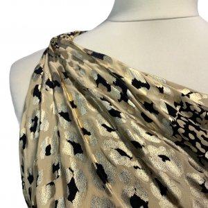 שמלה ארוכה כתף אחת משי הדפס מנומר מזהב של YVES SAINT LAURENT 5