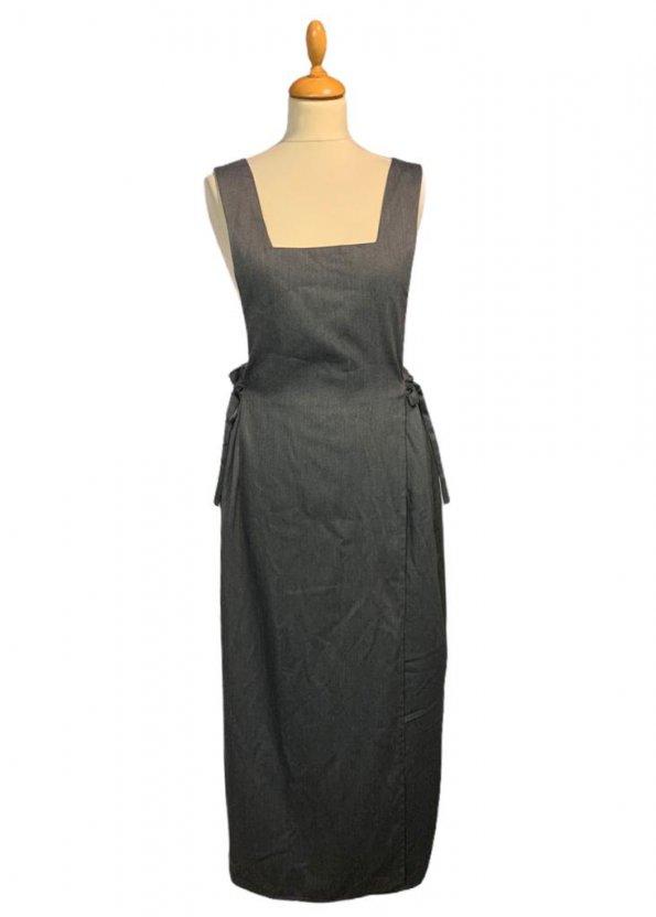 שמלת מקסי אפורה עם שרוולים קצרים ושסע בצד 1