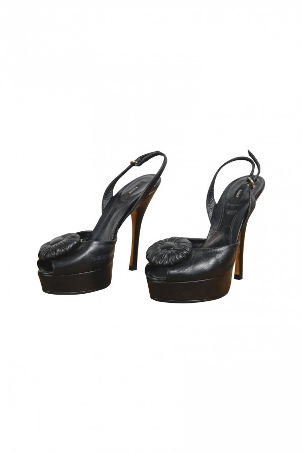 נעלי עקב עור שחור פרח באמצע - BALLY 1