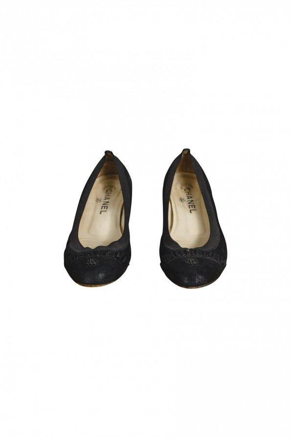 נעלי בובה עור שחור עם גומי - CHANEL 1