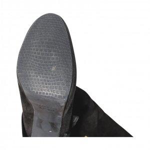 מגפיים שחורות גבוהות עם כפתורי זהב - Stuart Weitzman 5