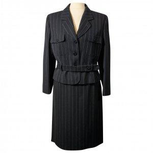 חצאית מחויטת שחורה עם פסים לבנים דקים - MANI 2