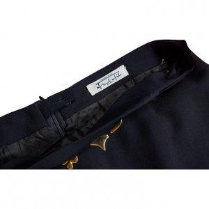 חצאית שחורה עם שרשרת זהב 3