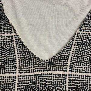 שמלת עטלף לבנה ריבועים מנקודות שחורות - BELLA LUXX 4