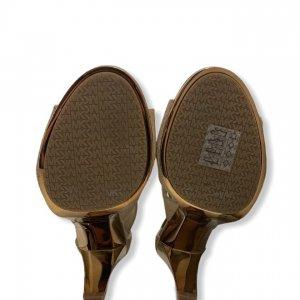 נעלי עקב בצבע ורוד עם עקב בצבע זהב - Michael Kors 4