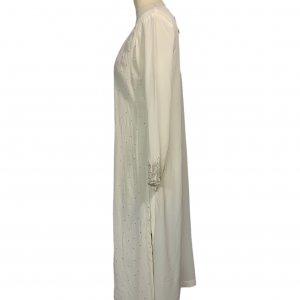 שמלת גלביה ממשי בצבע שמנת עם עיטורים נוצצים 3