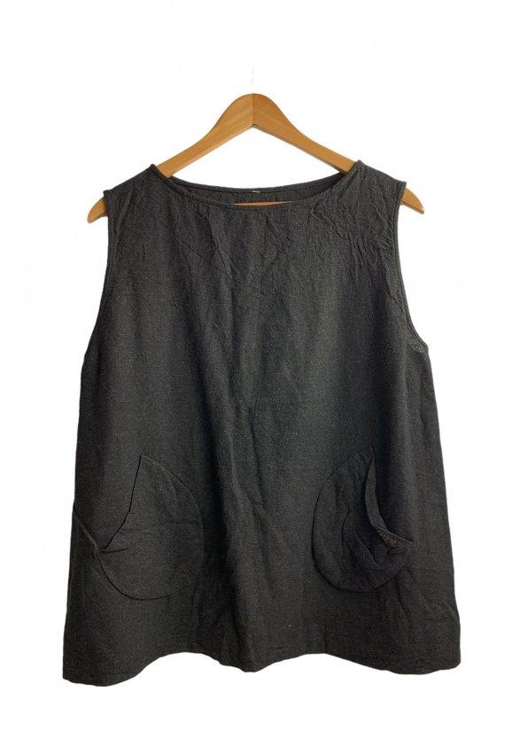 חוצת פשתן שחורה, ללא שרוול עם כיסים בצדדים - COP. COPINE 1
