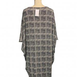 שמלת עטלף לבנה ריבועים מנקודות שחורות - BELLA LUXX 2