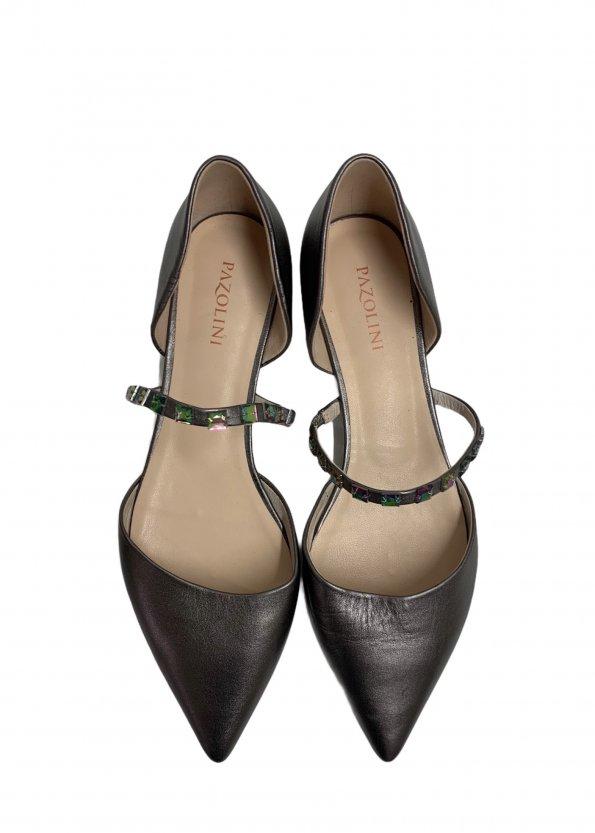 נעלי בובה שפיץ עור כסוף עם רצועה ואבנים - PAZOLINI 1