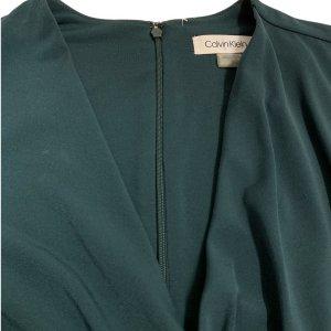 שמלת מעטפת בצבע ירוק בקבוק - CALVIN KLEIN 5