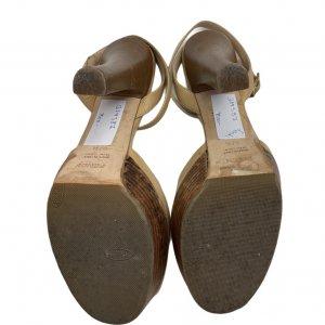 נעלי עקב עם פלטפורמה מעץ עור בצבע בז׳ FENDI 5
