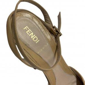 נעלי עקב עם פלטפורמה מעץ עור בצבע בז׳ FENDI 6