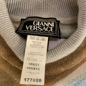 גופית גולף שמנת תכלת אדום - Gianni Versace 5