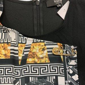 שמלה שחורה ללא שרוול שחורה עם הדפס בצד ימין אפור עם זהב - VERSACE VERSUS 6