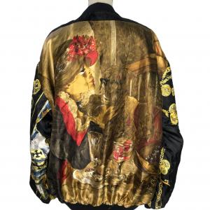 ג׳קט דו צדדי שחור צד 1. צד 2 בד שיפון עם ציורים ואיורים צבעוניים (פרחים מקדימה, שלשלאות זהב בשרוולים, ילדה מחזיקה כלב בגב) מסגרת בד שחורה 7