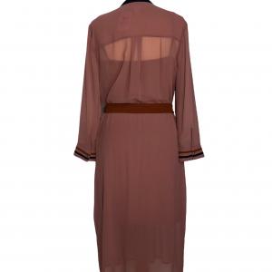 שמלת מקסי שרוול ארוך מבד שיפון ורוד עתיק עם עגור תפור מצד שמאל בכתף חגורת מותן בצבע כתום ted&baker 2