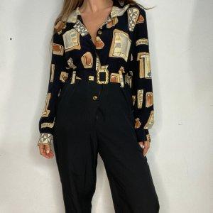 אוברול שחור עם הדפסי מרובעים בצבעי חום עם חגורה ואבזם זהב 3