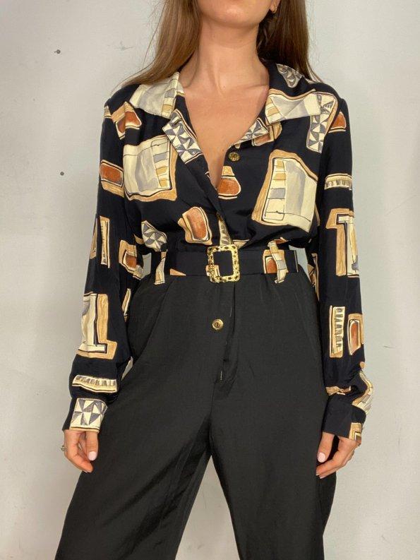 אוברול שחור עם הדפסי מרובעים בצבעי חום עם חגורה ואבזם זהב 1