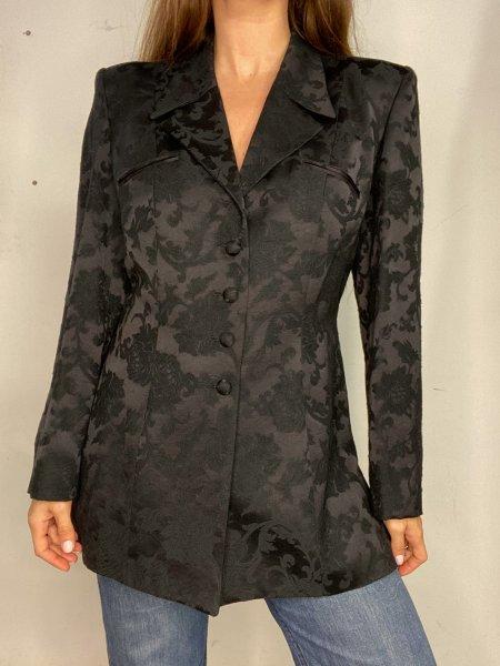 אוברול שחור עם הדפסי מרובעים בצבעי חום עם חגורה ואבזם זהב 10