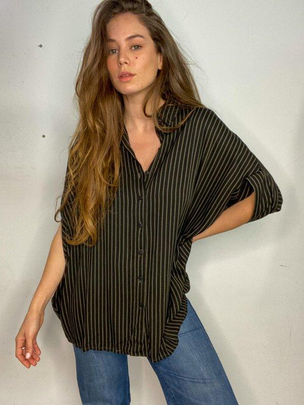 חולצת oversize מכופתרת עם פסים חומים - Ronen Chen 1
