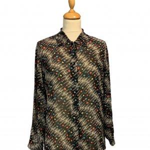 חולצה ארוכה מכופתרת שחורה עם נקודות בכחול צהוב כתום ירוק תכלת וריבועים ומלבנים בלבן 4