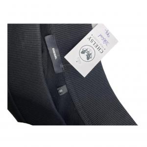 חצאית גזרה a מבד שחורה פס דמוי עור שחור עם ניטים כסופים diesel 4