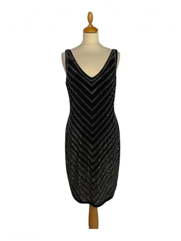 שמלה ללא שרוולים שחורה עם פייטים כסופים בדוגמאת חץ מטה calvin lein 1