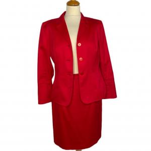 חצאית צמודה גזרה גבוהה בצבע אדום escada 4