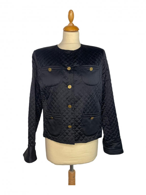 ג׳קט כחול עם תיפורים כפתורים זהב ו4 כיסים 1