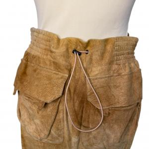 חצאית עור קאמל גומי בחגורה מאחורה yvessaintlauren 3