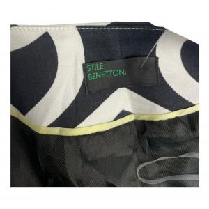 ג׳קט שחור הדפס לולאות לבנות benetton 4