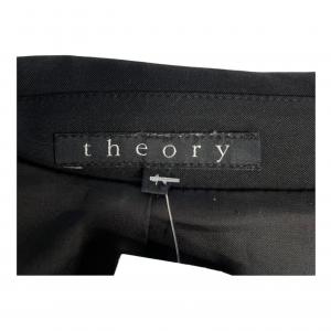 ג׳קט מחוייט בצבע שחור כפתורים שחורים theory 4