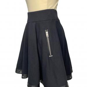 חצאית גזרה a מבד שחורה פס דמוי עור שחור עם ניטים כסופים diesel 3