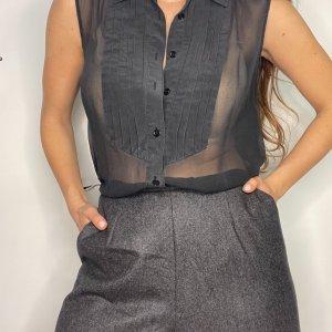 חולצת משי שיפון שחור ללא שרוולים – EQUIPMENT 2